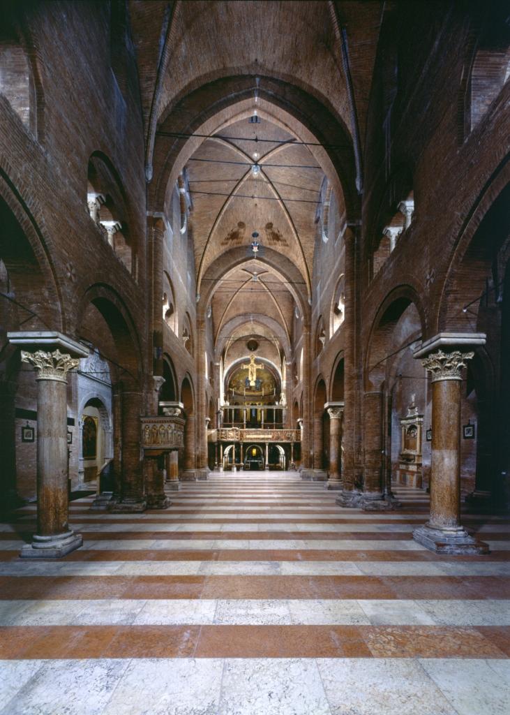 duomo-veduta-interno-altare-e-cripta_archivio-fotografico-del-museo-civico-darte-di-modena